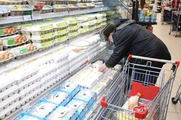 ФАС на яйца: разбираемся, почему резко подорожал популярный продукт