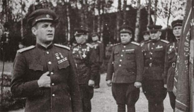 Образцовый генерал