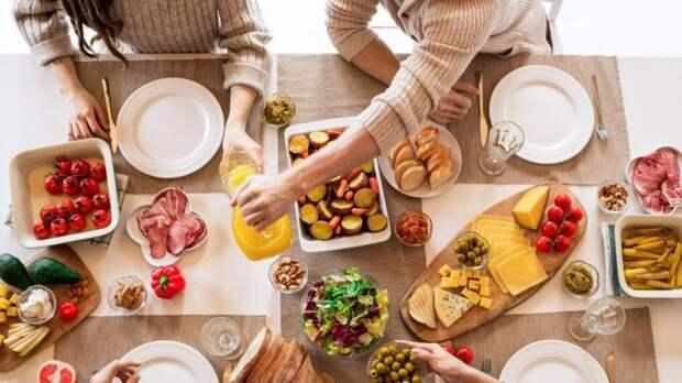 Чего не хватает организму, когда хочется соленого, сладкого, острого или кислого