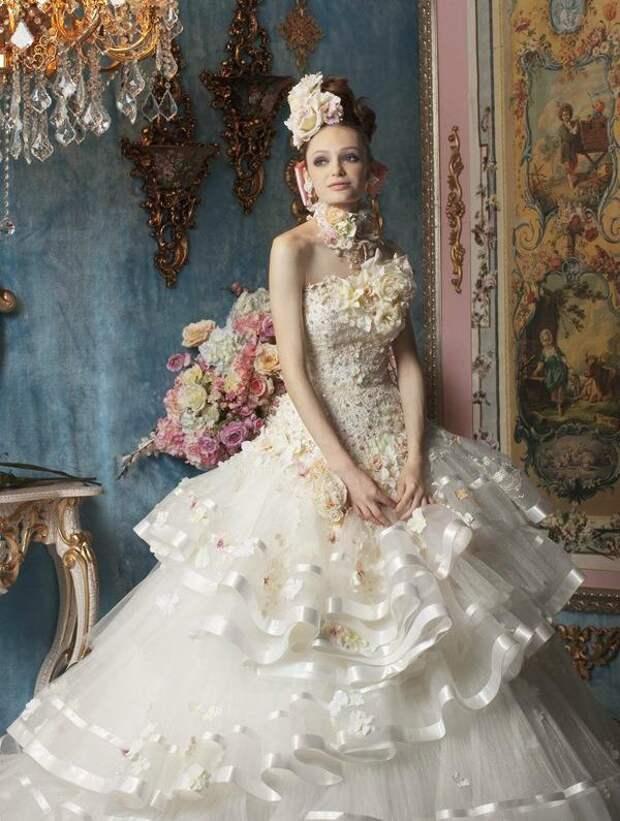 Необыкновенные свадебные платья.Цветы в моде от дизайнеров