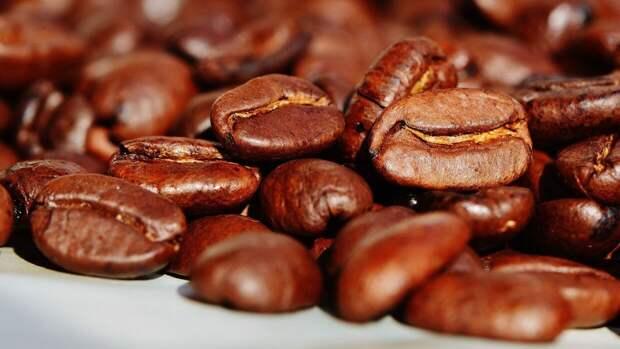 Кардиолог Иванов посоветовал пить меньше кофе людям с пониженным давлением