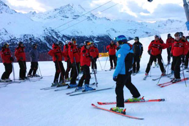 Из швейцарской горнолыжной школы выгнали русскоговорящих латвийцев