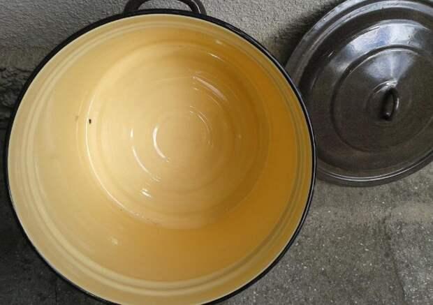 Откололась эмаль на кастрюле: можно ли ее использовать для пищи и рекомендации по заделке