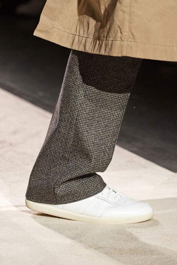 Какие кроссовки носить осенью 2020: эти 4 тренда украсят любой образ