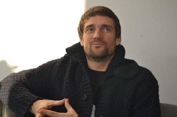 «Неожиданно мужчина признался, что мы родственники»: Дмитрий Миллер рассказал, как узнал о своем брате