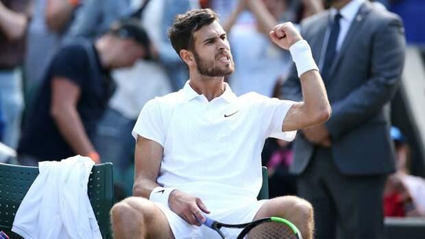 Хачанов вышел в четвертьфинал турнира в Роттердаме