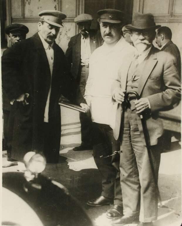 1930. Сталин, Орджоникидзе и Калинин.