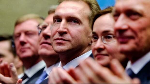 Россиян убеждают, что идет борьба между Путиным и либералами
