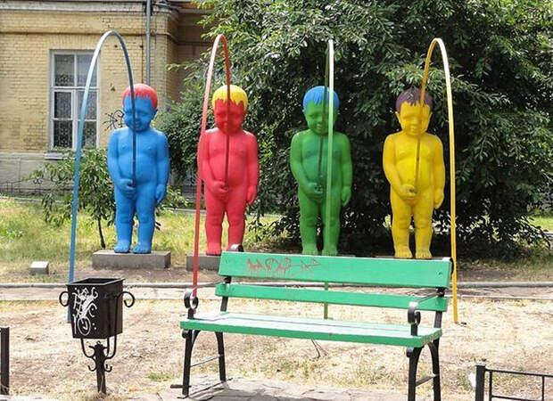 weirdstatues13 29 самых отвратительных и нелепых статуй со всего света
