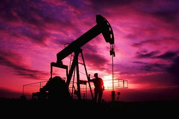США рекордно увеличили импорт нефти из России