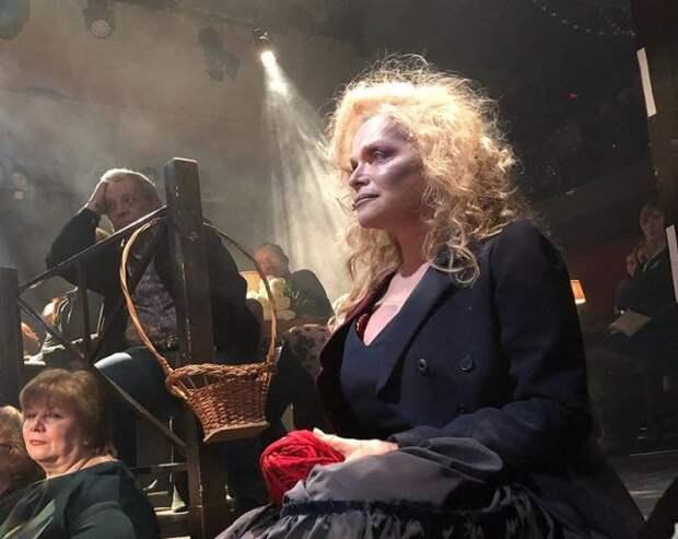 Дочь Ларисы Долиной прокомментировала ее выступление в «жутком» образе