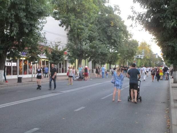 В Краснодаре улицу Красную снова открыли для пешеходов