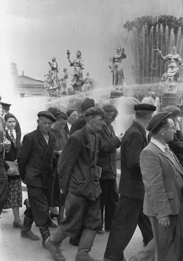 Советские люди в обьективе Анри Картье-Брессона