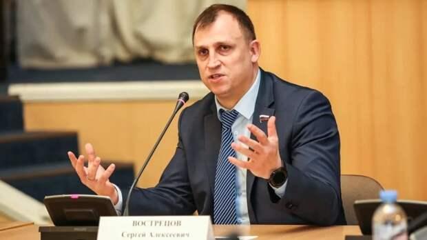 «Восточный щит крепок»: депутат Вострецов выступил перед избирателями во Владивостоке