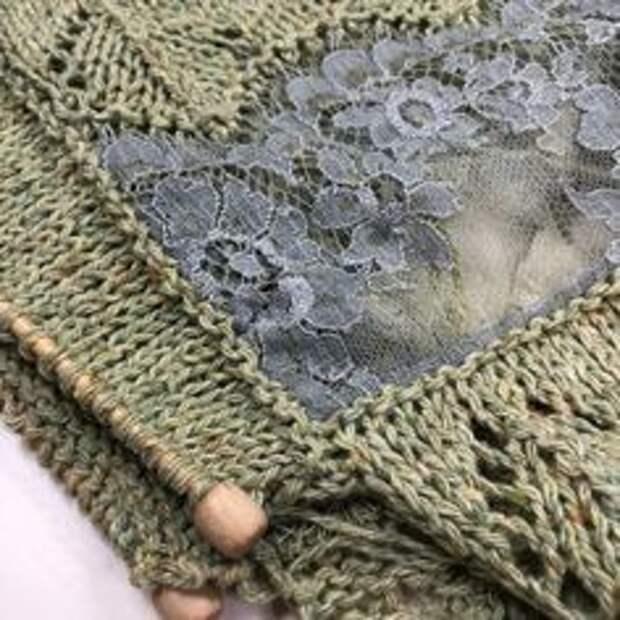 Вязаный с кружевом шарф