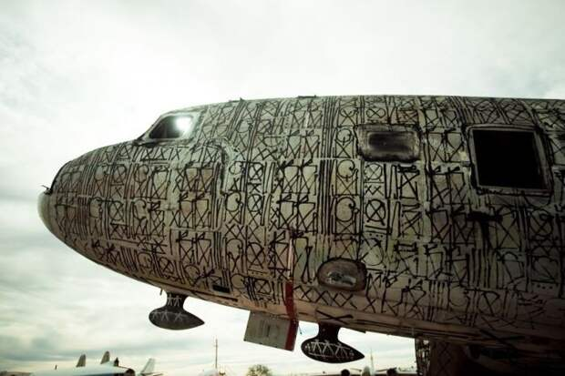 Граффити на самолетах