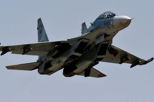 Истребители Су-27 перехватили бомбардировщик ВВС США над Балтикой