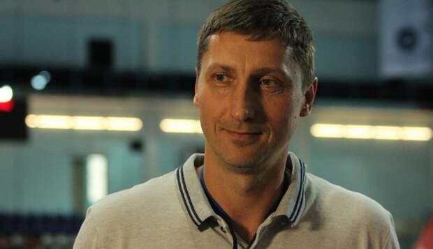 Из-за подозрения игроков молодежной сборной России по подозрению в ставках, тренер национальной команды подал в отставку