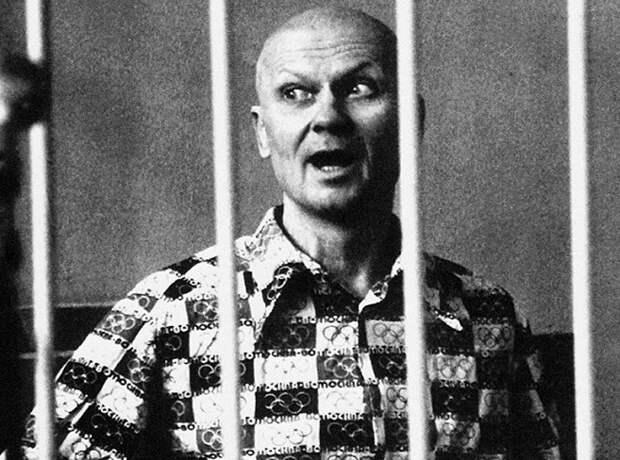 В каких условиях сидят маньяки в русской тюрьме