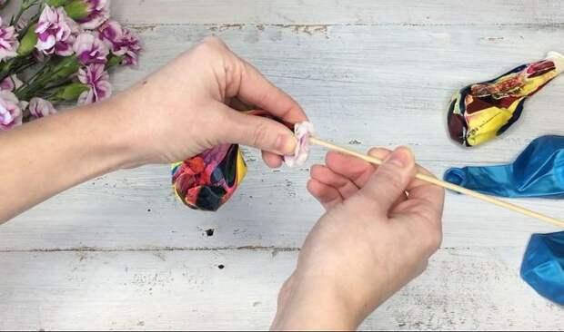 Пользователь сети придумала очень необычный способ использование цветов для романтического вечера