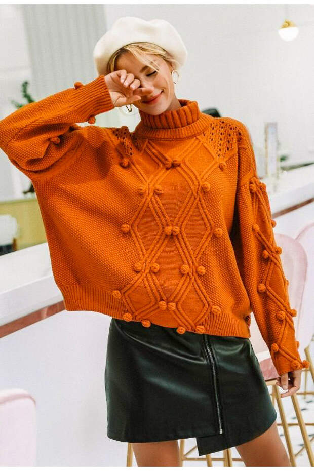 Оранжевый свитер с шишечками. /Фото: womencrochet.com