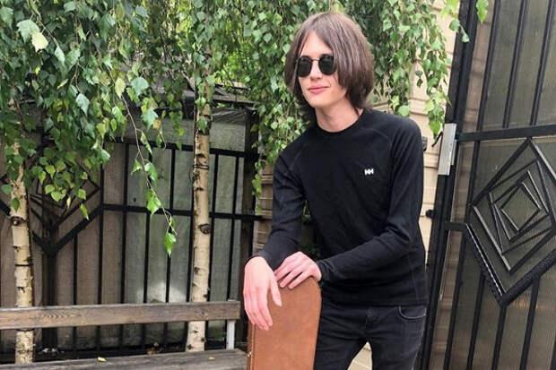«Полный краш»: ВСети обсуждают внешность подросшего сына Заворотнюк