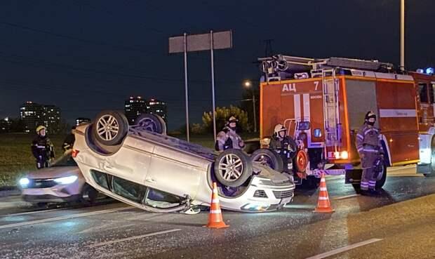 На Каширском шоссе в Москве произошло столкновение восьми машин
