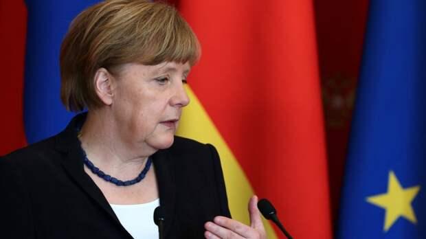 """Меркель призвала не нарушать транзит газа через Украину из-за """"Северного потока — 2"""""""