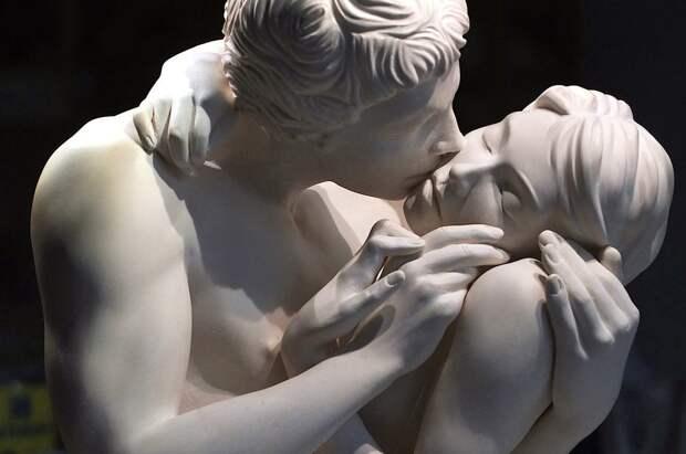 16 скульптур, на которые неловко смотреть, но невозможно отвести взгляд