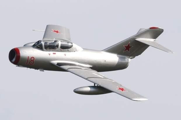 МиГ-15 автомобили, вертолёты, самое массовое, самое-самое, самолёты, техника