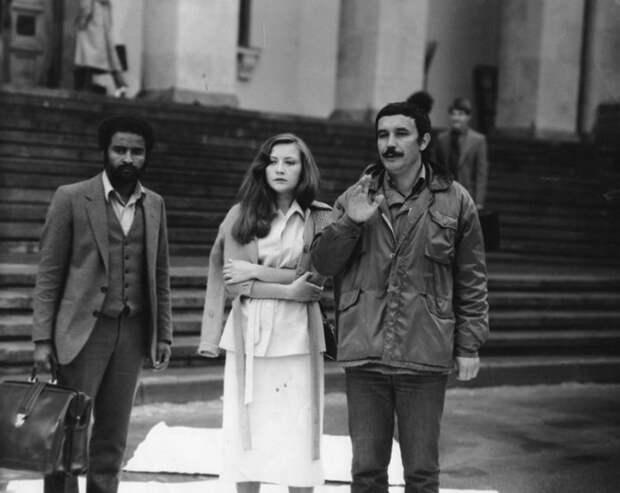 Выстраданная свобода Лилии Макеевой: Как сложилась жизнь секретарши Оли из фильма «Чародеи»