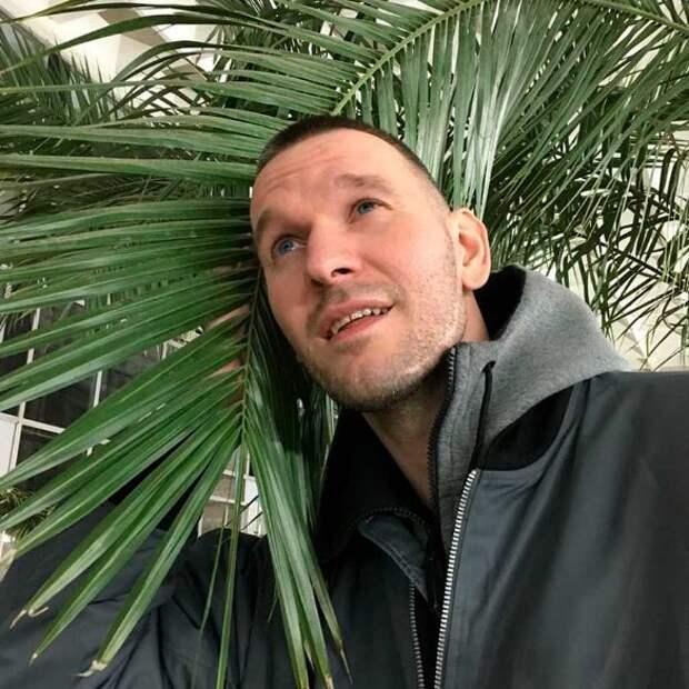 Кто отбил Полину Гагарину у мужа-фотографа