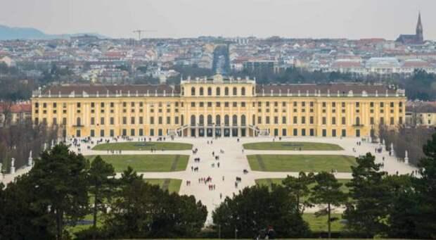 https://retrocat.de/wp-content/uploads/2016/04/0088_RetroCat_Wien_Schloss_Schoenbrunn_Aufmacher-554x305.jpg