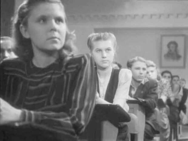 Роза Макагонова в своем первом фильме – *Сельская учительница*, 1947 | Фото: biographe.ru