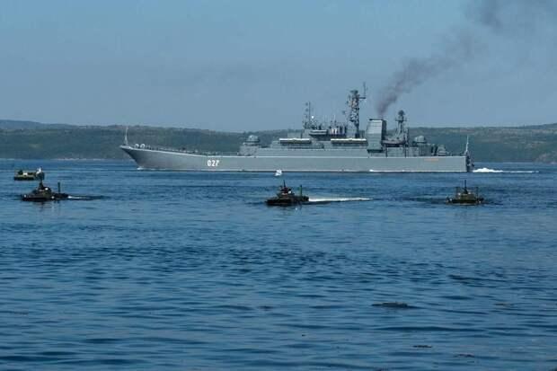 Корабли Северного флота РФ двинулись в сторону границы США