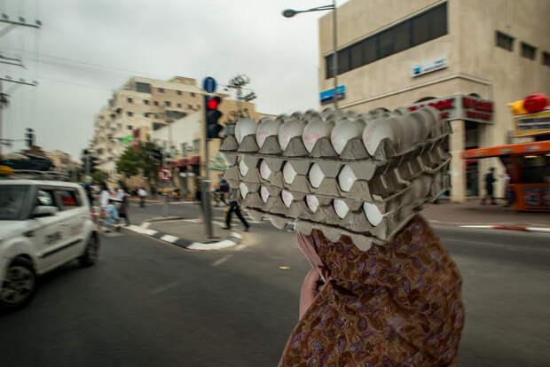 На улице в Тель-Авиве. Фотограф Алан Бурла 31
