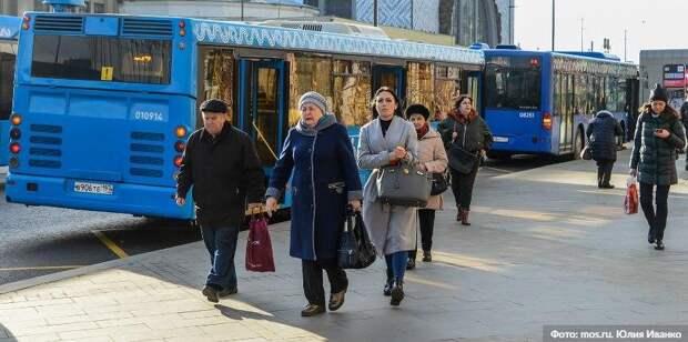 В Москве на время ограничений отменят льготный проезд школьникам и пенсионерам. Фото: Ю. Иванко mos.ru