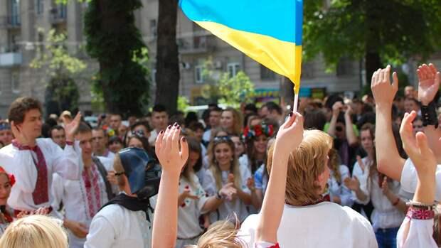 Жителей Полтавы поздравили с Днем города билбордами, призывающими идти «На Москву»