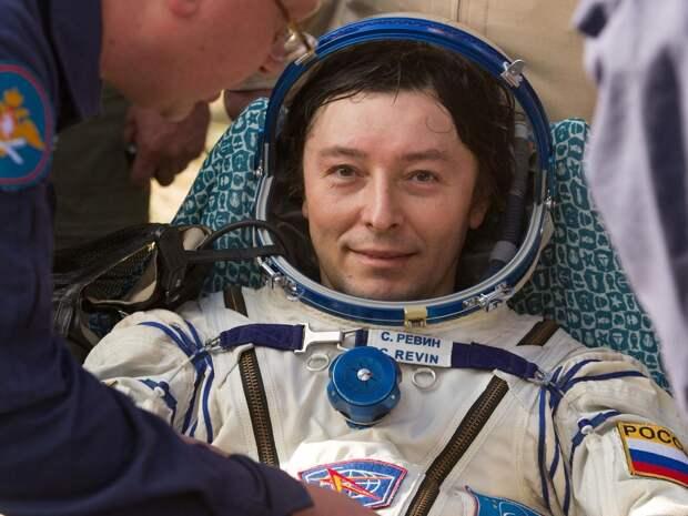 Космонавт-испытатель встретился с воспитанниками творческих коллективов из Свиблова