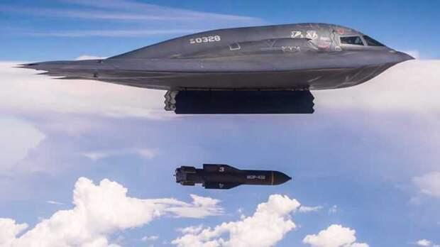 Сразу 4 «стратега» США отработали удары по России из Атлантики