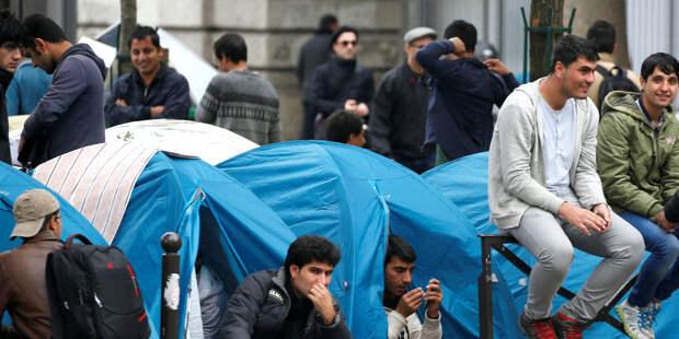 В Париже начали эвакуацию лагеря мигрантов