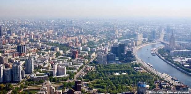 Депутат МГД Щитов отметил увеличение мер соцподдержки в проекте бюджета. Фото: М. Денисов mos.ru