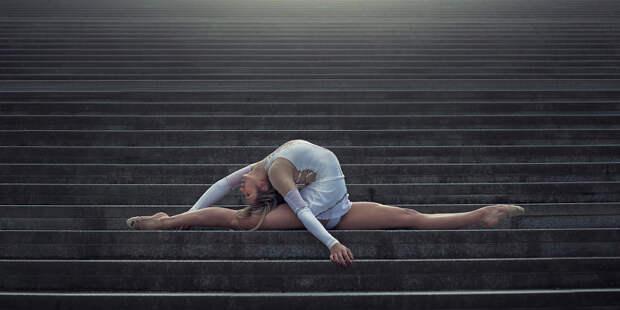 Магия танца с мегаполисом: великолепная серия фото гимнастов и танцоров от Димитрия Рулланда