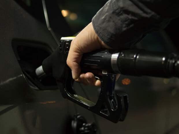 Бензина нет, очереди на заправках: Британию «охватил» топливный кризис