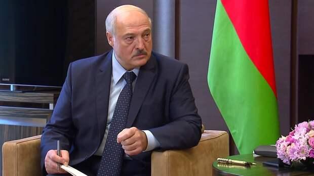 В чёрном списке примерно 40 имён: ЕС решил пока не вводить санкции против Лукашенко