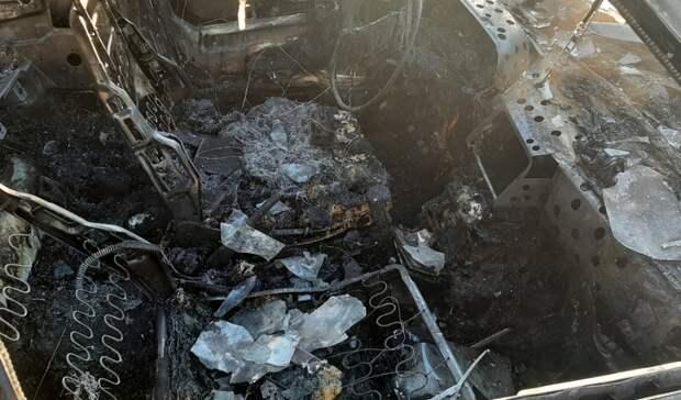 Оставил погреться: вНижнем Тагиле сгорел ВАЗ