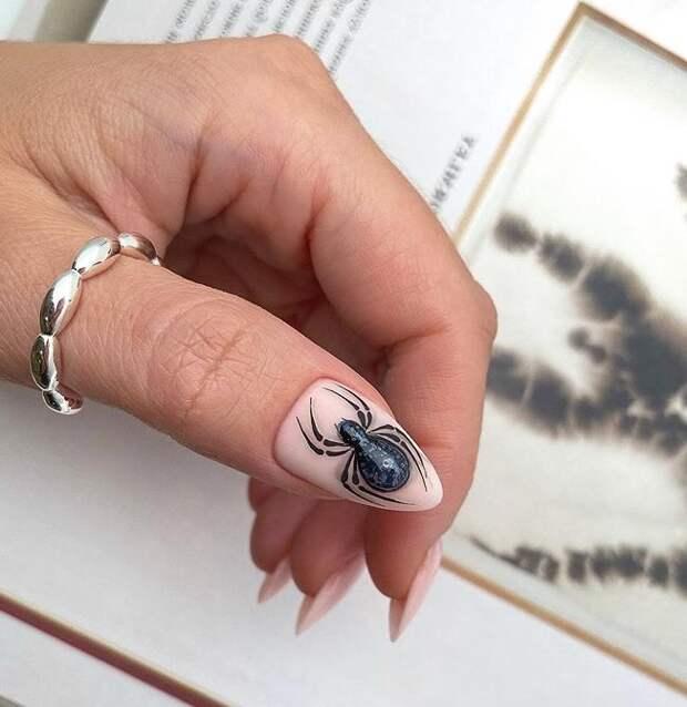 Пауки и мухи на ногтях: 20 неординарных идей для уверенных в себе женщин