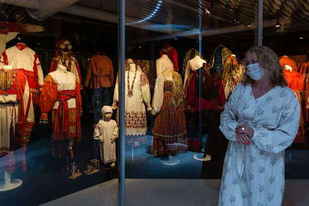 Эрмитаж открыл доступ к коллекции русского костюма