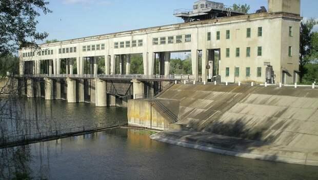 Специалисты починили канал, по которому вода поступает в Донецк