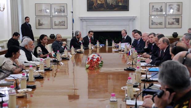 Россия и Индия подписали 25 совместных документов в разных сферах